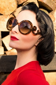 Baroque Swirl Arms Sunglasses Turtoise