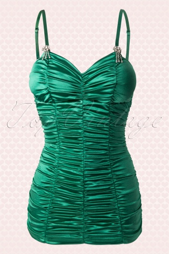 Pinup Couture 52 5299 20130801 0005met achtergrond