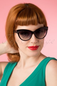 Collectif Clothing Judy Classic 50s Sunglasses in Black