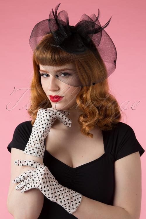 Juliettes Romance Dot Lace White Gloves 250 5915318 02242015Vanessa 156W
