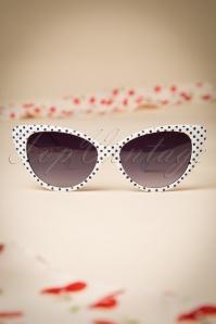 So Retro White Sunglasses White Black 260 59 15004 20150317 001W