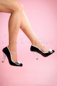 Pinup Couture Pump 400 10 14580 04132015 02W