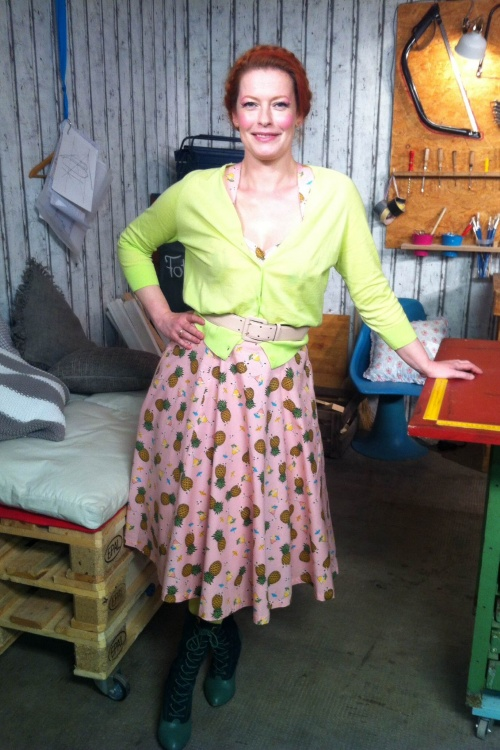 50s this love tiki pineapple dress in pink. Black Bedroom Furniture Sets. Home Design Ideas