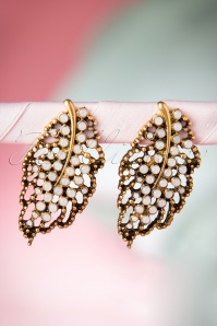 From Paris with Love Vintage Earrings 334 91 16152 07222015 09W