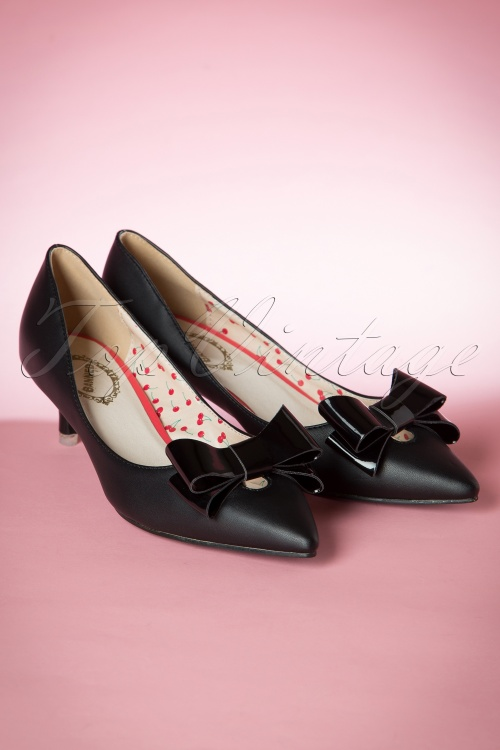 Banned Belle Black Pump 400 10 16324 08172015 20W