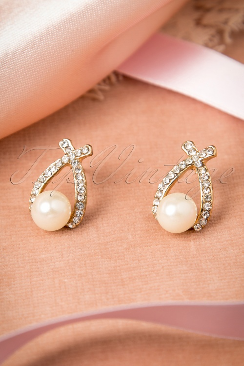Lola Cross Pearl Earrings 332 92 16429 08102015 05W