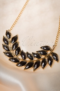 Lola Retro Leaf Necklace 301 91 16661 08262015 12W