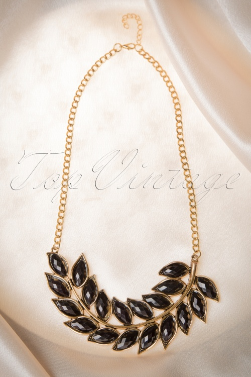 Lola Retro Leaf Necklace 301 91 16661 08262015 10W
