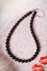50s Ruby Pearl Necklace in Black