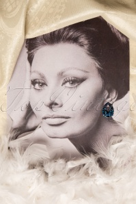Lola Blue Crystel Gala Earrings 330 30 16795 20150916 025 portretW