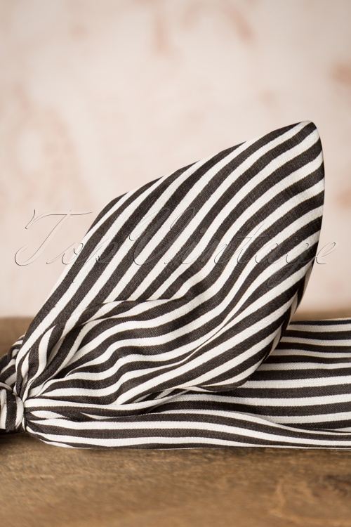 Banned Jacinta Headband Black and White Stripes 208 59 16467 20151026 0023W 2f2ef4d1361