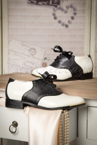 Banned Coleen Shoes Black and White 452 50 16725 10262015 38W