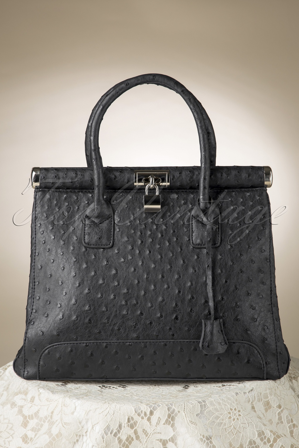 So Painfully Die Ostriches for Luxury Handbag