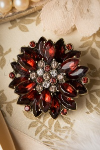 40s Royal Flower Brooch in Burgundy