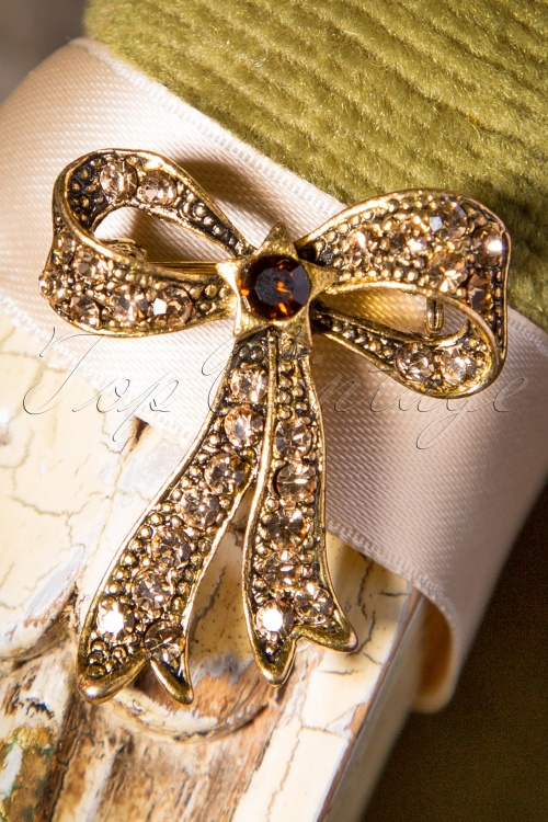 Celestine Bow Brooch Gold 341 91 17434 11132015 004W