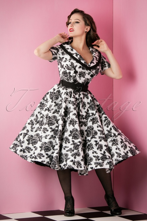 e35d872027148e Bunny 50s Black and White Roses Swing Dress 102 59 14646 20151118 020W