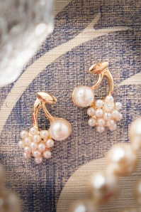 Lola Pearly Cherry Earrings 331 51 17538 11272015 004W