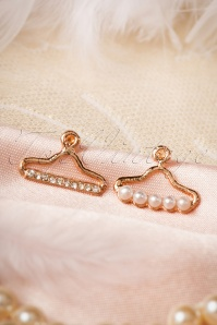 Lola Golden Hanger Earrings 331 51 17542 20151130 0002W