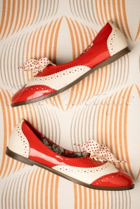 Banned Retro 60s Milana Brogues in Red and Cream
