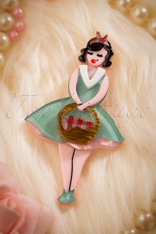 Erstwilder Pin Up Picnic Brooch 340 30 18273 20160222 0022W