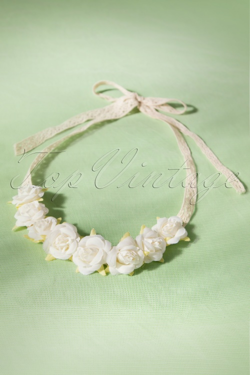 Darling Divine String White Hairflowers 208 50 18134 20160229 0015W