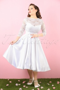 Bettie Page Clothing Collette White Lace Bow Wedding Dress 102 50 16183 20160105 0008 bewerkt crop