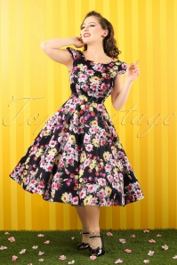50s Daisy Floral Swing Dress in Black
