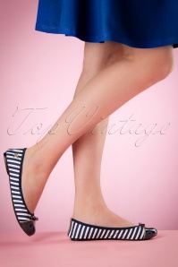 Foldable Ballerina Cara in Navy and White Stripes