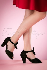 40s Loretta Suede Pumps in Black