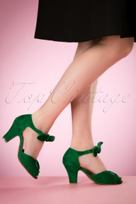 40s Loretta Suede Pumps in Kelly Green