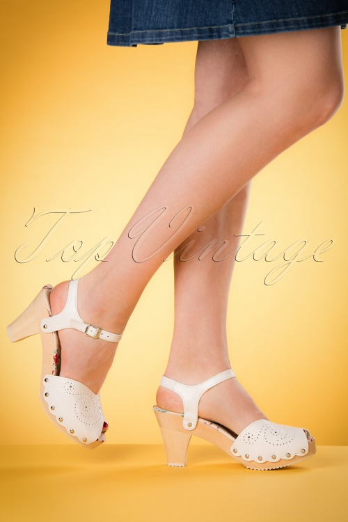 Miss L Fire Junebug White Sandals 421 50 17191 03242016 004W