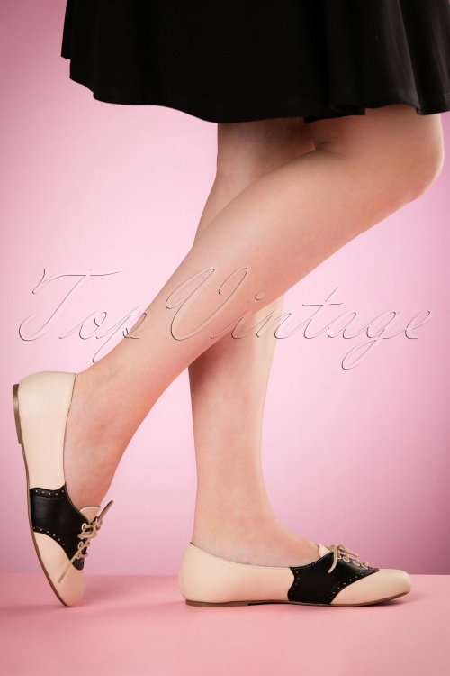 Bettie Page Shoes Halle Shoes in Black 452 52 17101 04132016 002retouchedW