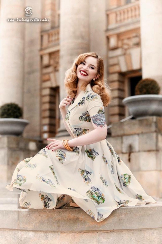 Brand-new 50s Safari Swing Dress in Cream MV43