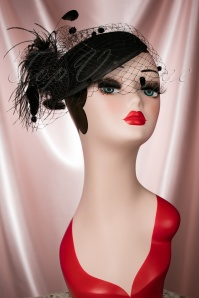40s Adeline Feathers and Veil Fascinator in Black