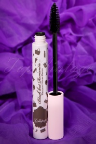Black but Romantic Mascara in Black