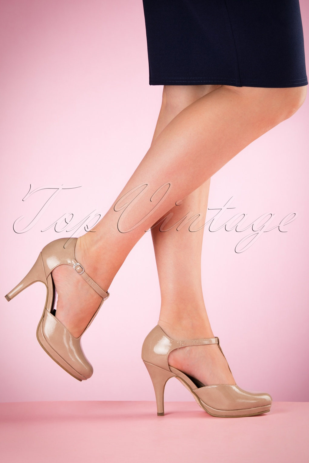 40s Vintage Lacquer T-Strap Pumps in Nude