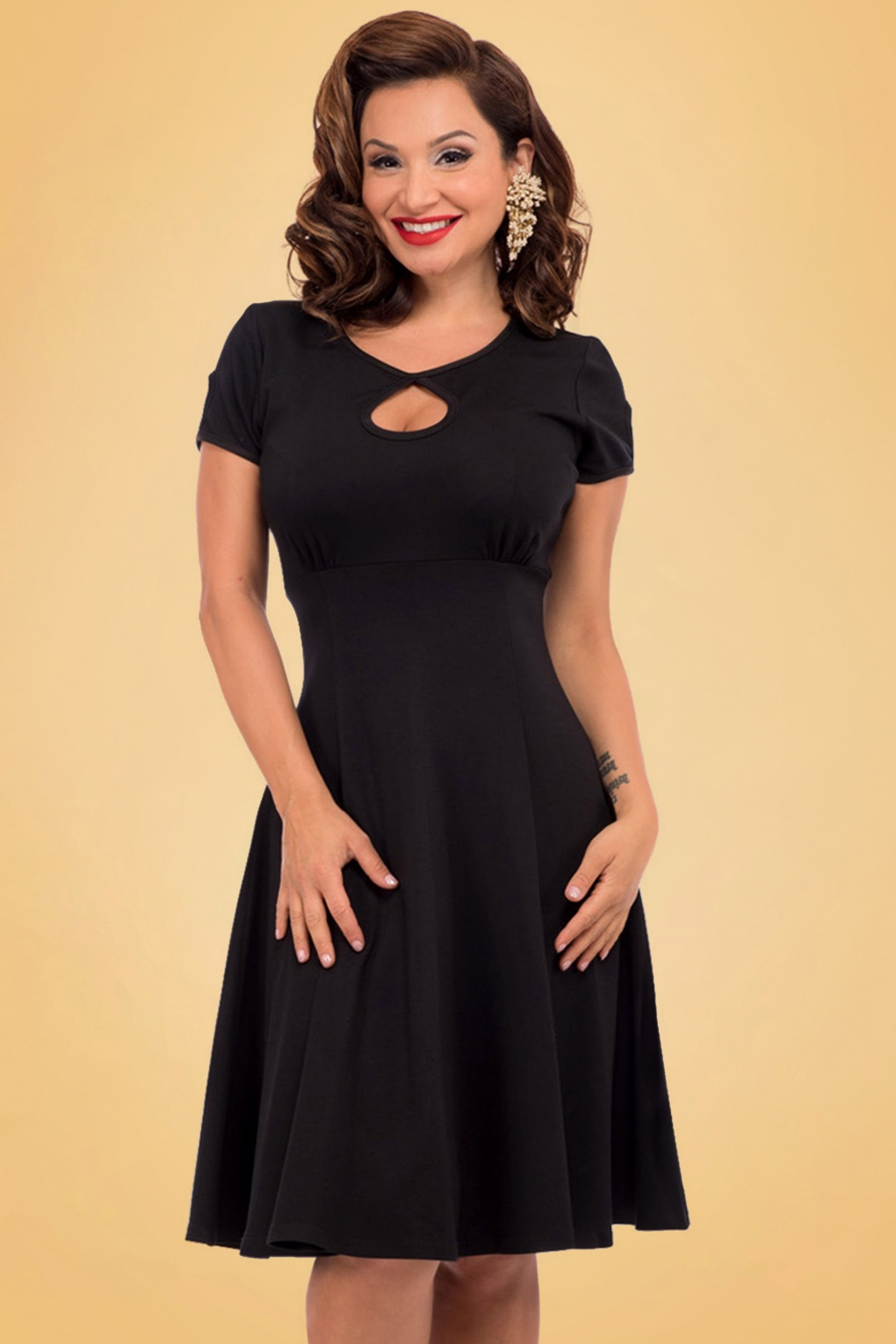 Dress Me Up Take Me Out: 50s Charm Me Keyhole Dress In Black