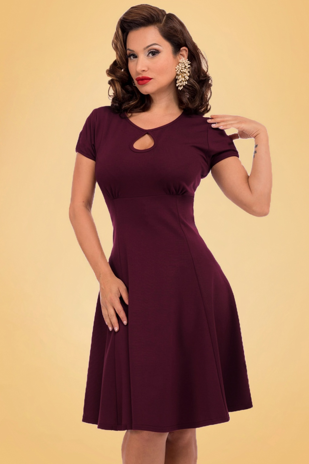 Dress Me Up Take Me Out: 50s Charm Me Keyhole Dress In Aubergine
