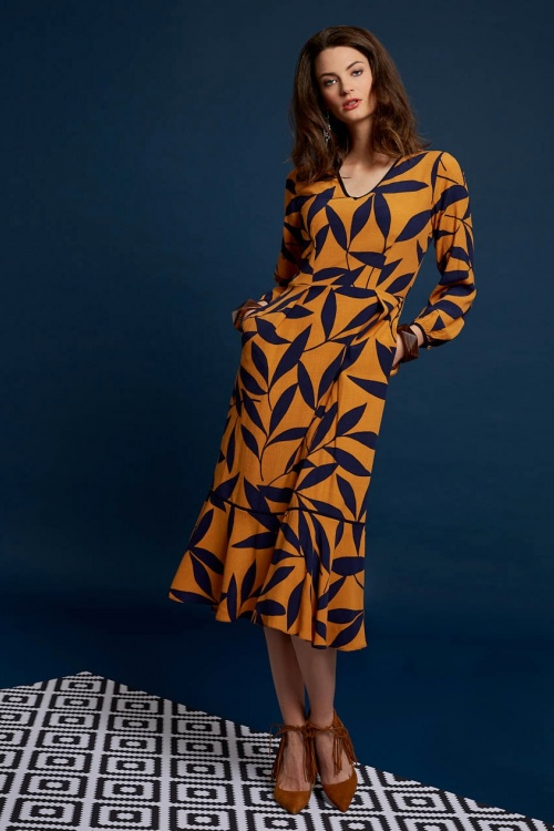 Closet London Leaf Print Dress in Mustard Navy 106 89 19702 20160908 004