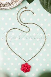 Sweet Cherry 40s My Vintage Bouquet of Roses Necklace