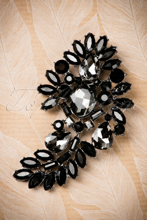 Darling Divine Black and silver Brooch 340 10 19862 09262016 007W