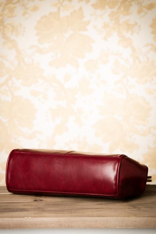bc052272aca Miss Vintage - 20s Vintage Frame Kisslock Clasp Bag in Burgundy