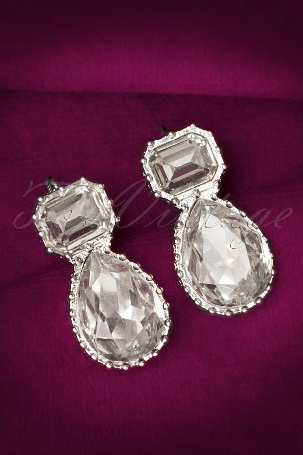 Vintage Style Jewelry, Retro Jewelry 30s Mathilda Earrings in Silver £11.25 AT vintagedancer.com