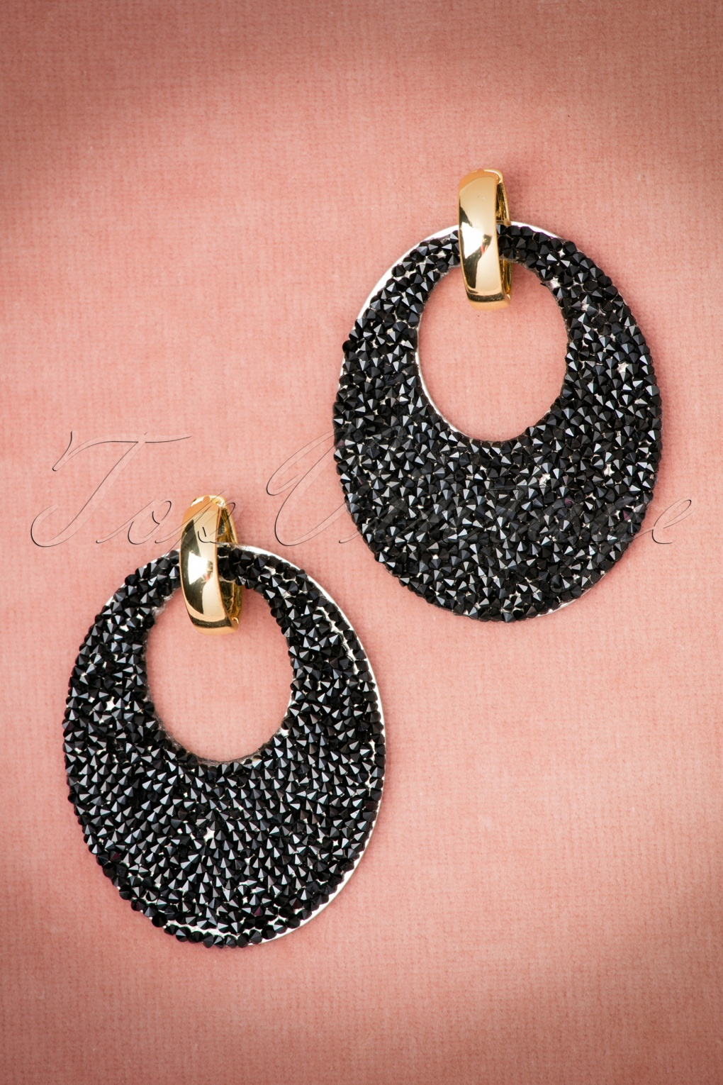 1960s Costume Jewelry – 1960s Style Jewelry 60s Blythe Earrings in Black £12.99 AT vintagedancer.com