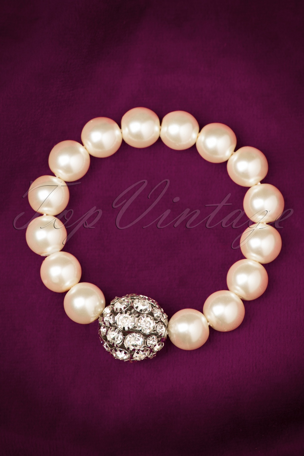 1950s Costume Jewelry 50s Glitter and Glamour Pearl Bracelet £6.91 AT vintagedancer.com