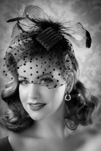 40s Florence Feathers and Veil Fascinator Headband in Black