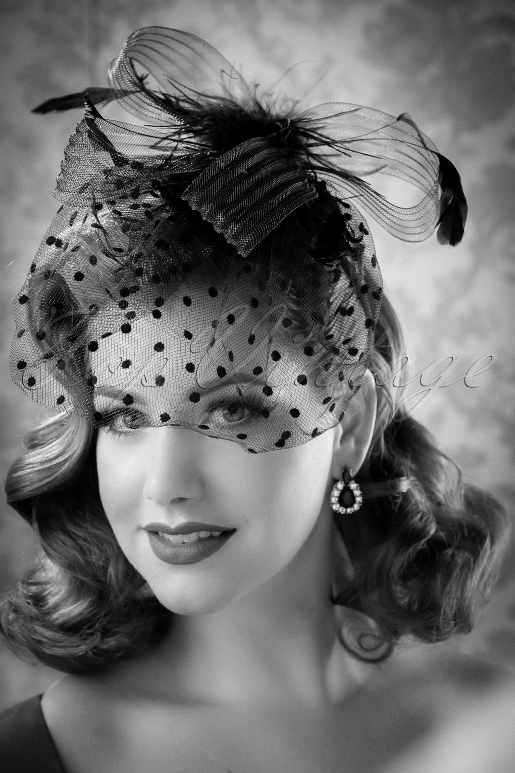 Retro Vintage Style Hats 40s Florence Feathers and Veil Fascinator Headband in Black £17.14 AT vintagedancer.com