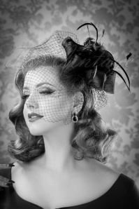 40s Arabella Feathers and Veil Fascinator in Black