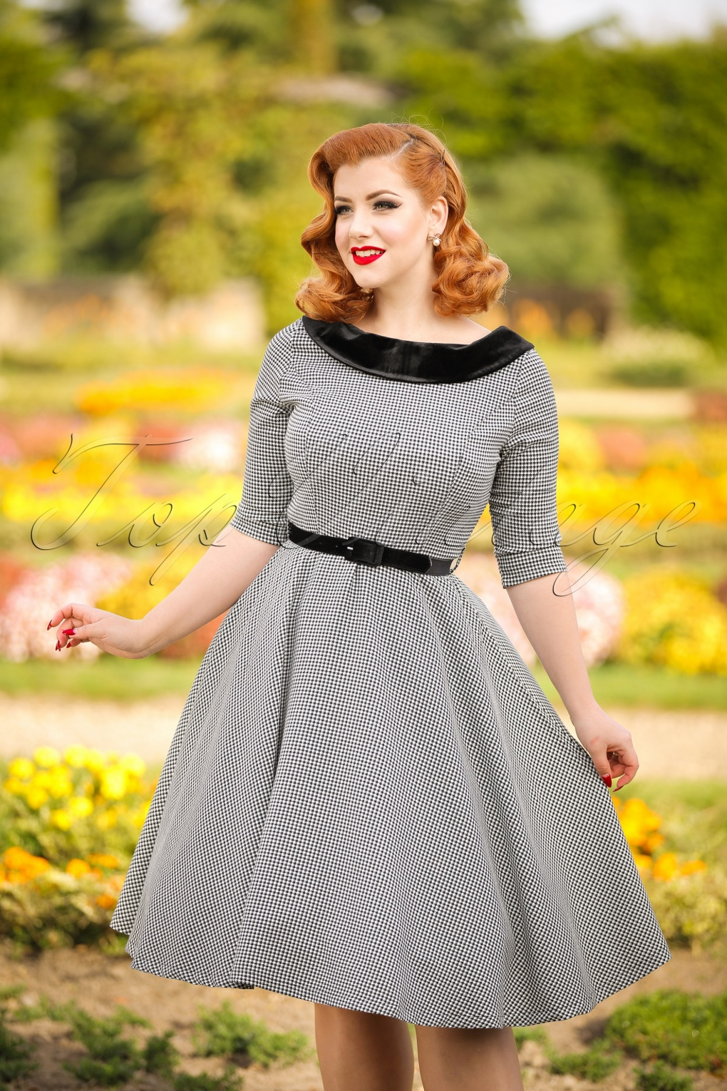 1940s Style Dresses and Clothing 40s Jackson Houndstooth Dress in Black and White £53.23 AT vintagedancer.com
