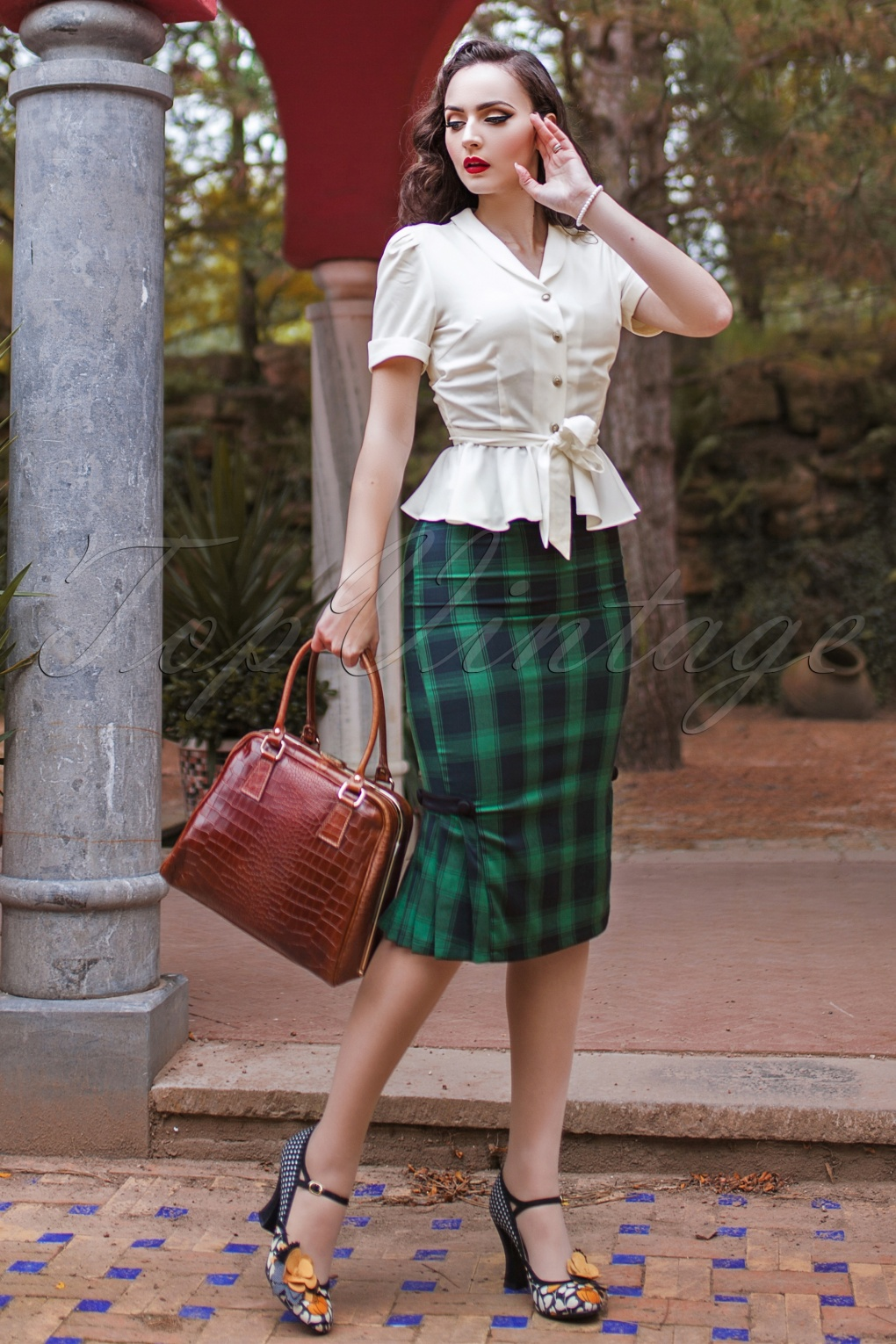 1940s Style Skirts- High Waist Vintage Skirts 40s Agnes Tartan Pencil Skirt in Green £34.91 AT vintagedancer.com